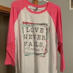 Tops - Love Never Fails T-Shirt